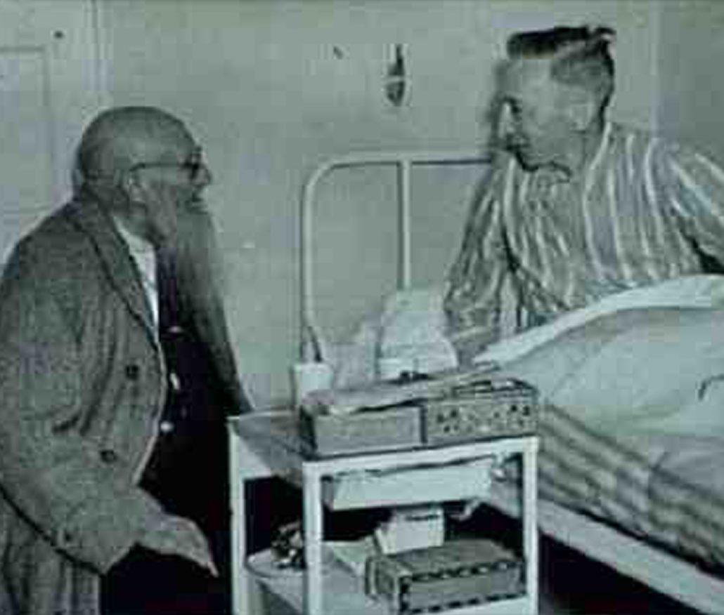 Jan van Zutphen met patient