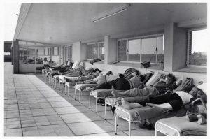 Zonnekuur in Sana De Mick, jaren 1950. (Amsab-Instituut voor Sociale Geschiedenis)
