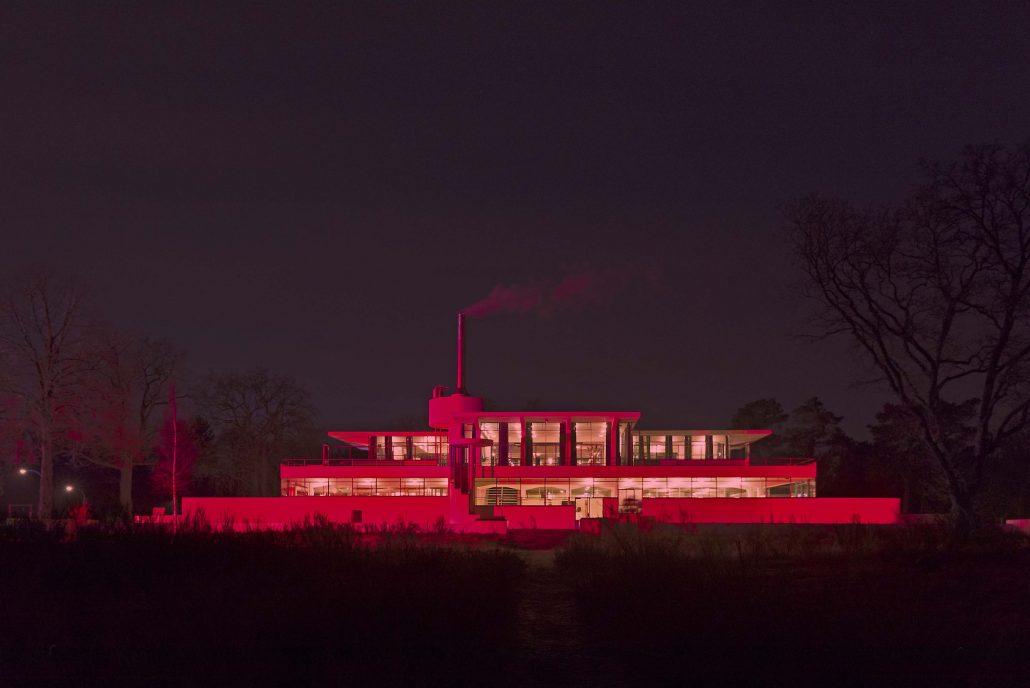 Zonnestraal rood uitgelicht